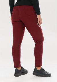 Czerwone spodnie materiałowe Born2be
