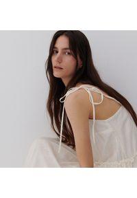 Reserved - PREMIUM Sukienka z Tencel™ Lyocellem - Kremowy. Kolor: kremowy