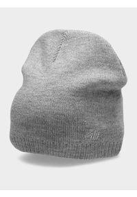 Szara czapka z daszkiem 4f