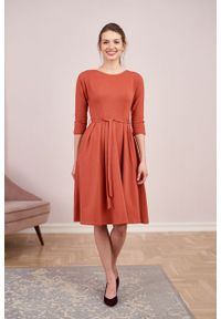 Marie Zélie - Sukienka Anastazja Tabasco. Materiał: bawełna, dzianina, materiał, elastan, skóra. Typ sukienki: rozkloszowane. Styl: klasyczny