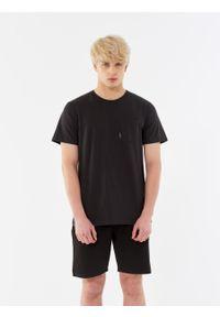outhorn - Gładki t-shirt męski. Okazja: na co dzień. Materiał: bawełna, dzianina, materiał. Wzór: gładki. Styl: casual