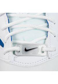 Białe półbuty Nike klasyczne, na co dzień, z cholewką