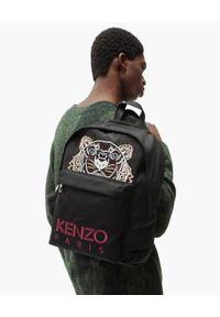 Kenzo - KENZO - Czarny plecak Kampus Tiger. Kolor: czarny. Materiał: materiał. Wzór: haft, aplikacja