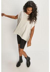 Biała bluzka Answear Lab na co dzień, gładkie, wakacyjna