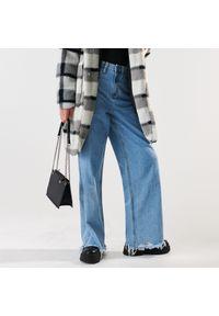 Sinsay - Jeansy straight high waist - Niebieski. Stan: podwyższony. Kolor: niebieski