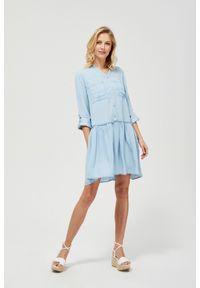 Niebieska sukienka MOODO casualowa, z dekoltem w serek, do pracy