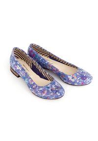 Niebieskie baleriny Zapato klasyczne, wąskie, w kolorowe wzory
