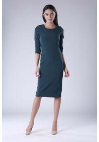 Nommo - Zielona Klasyczna Dopasowana Sukienka Midi. Kolor: zielony. Materiał: wiskoza, poliester. Styl: klasyczny. Długość: midi