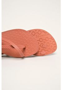 Ipanema - Sandały. Kolor: brązowy. Materiał: materiał, guma. Wzór: gładki