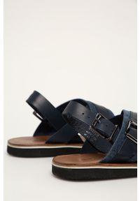 Niebieskie sandały Wojas na klamry, gładkie