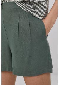 Vero Moda - Szorty. Okazja: na co dzień. Kolor: zielony. Materiał: tkanina. Wzór: gładki. Styl: casual
