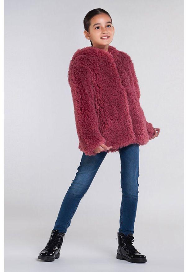 Różowy płaszcz Mayoral na co dzień, casualowy