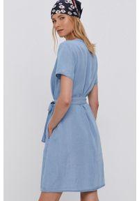 Vila - Sukienka. Kolor: niebieski. Materiał: tkanina, jedwab, materiał. Długość rękawa: krótki rękaw. Wzór: gładki. Typ sukienki: rozkloszowane