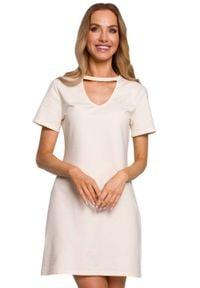 MOE - Bawełniana sukienka trapezowa z dekoltem V ecru mini. Materiał: bawełna. Sezon: lato. Typ sukienki: trapezowe. Styl: klasyczny. Długość: mini