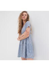 Niebieska sukienka Sinsay mini, w ażurowe wzory