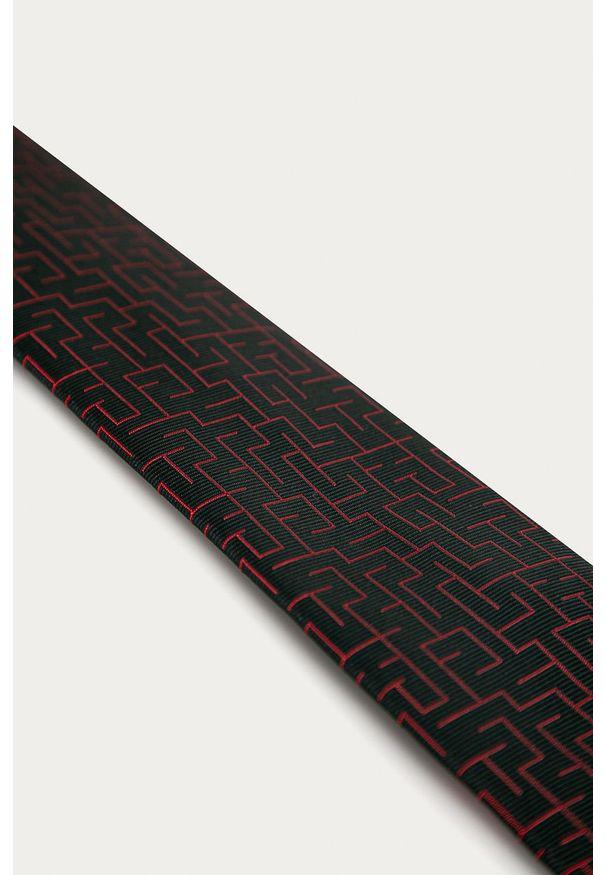 Czerwony krawat Hugo
