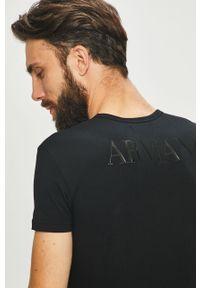 Czarny t-shirt Emporio Armani z nadrukiem, casualowy