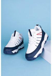 Casu - Białe buty sportowe sznurowane casu 201i/wn. Kolor: biały