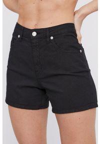 Love Moschino - Szorty jeansowe. Okazja: na co dzień. Kolor: czarny. Materiał: jeans. Wzór: gładki. Styl: casual