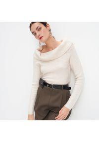 Kremowy sweter Mohito