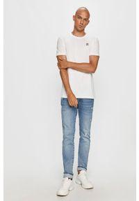Biały t-shirt Fila na co dzień, casualowy, z okrągłym kołnierzem