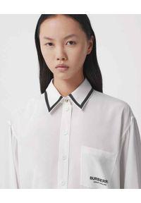 Burberry - BURBERRY - Biała koszula z jedwabiu. Kolor: biały. Materiał: jedwab. Wzór: nadruk