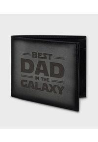 MegaKoszulki - Portfel skórzany best dad in the galaxy. Materiał: skóra