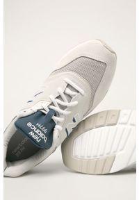 Kremowe sneakersy New Balance na sznurówki, z cholewką