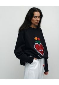 VICHER - Czarna bluza REBELL HEART. Kolor: czarny. Materiał: jeans. Wzór: haft