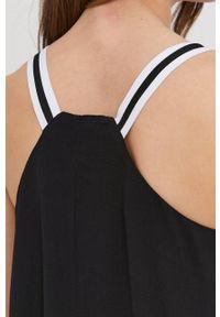 Answear Lab - Sukienka. Kolor: czarny. Materiał: tkanina. Długość rękawa: na ramiączkach. Typ sukienki: rozkloszowane. Styl: wakacyjny
