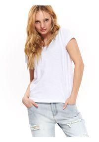 Biały t-shirt TOP SECRET w kolorowe wzory, z dekoltem w serek, krótki, z krótkim rękawem