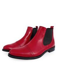 Czerwone buty zimowe na zimę, klasyczne, w ażurowe wzory