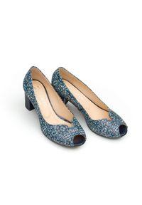 Zapato - czółenka z odkrytymi palcami - skóra naturalna - model 1152 - motyw etniczny. Nosek buta: otwarty. Materiał: skóra