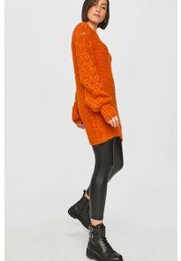Pomarańczowy sweter Answear Lab wakacyjny