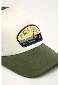 Brązowa czapka z daszkiem Pepe Jeans z aplikacjami