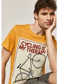 medicine - Medicine - T-shirt Retro Cool. Okazja: na co dzień. Kolor: żółty. Wzór: nadruk. Styl: retro