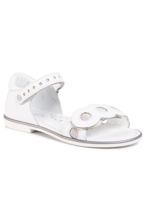 Białe sandały Bartek na lato
