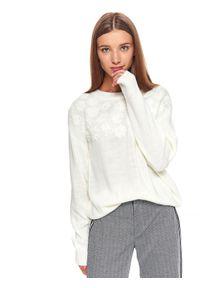 Biały sweter TOP SECRET z okrągłym kołnierzem, krótki