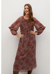 mango - Mango - Sukienka Nuria. Kolor: czerwony. Materiał: tkanina. Długość rękawa: długi rękaw. Typ sukienki: rozkloszowane