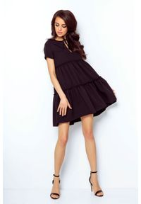 e-margeritka - Sukienka z falbanami rozkloszowana czarna - 36. Okazja: do pracy, na randkę. Kolor: czarny. Materiał: tkanina, wiskoza, materiał, elastan. Styl: elegancki. Długość: midi