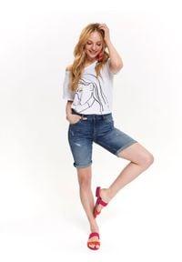 TOP SECRET - Jeansowe szorty. Kolor: niebieski. Materiał: jeans. Sezon: lato. Styl: klasyczny