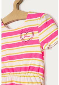 Różowa sukienka Guess Jeans z okrągłym kołnierzem, mini, prosta