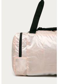 Różowa torba podróżna Reebok