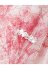 NEEDLE & THREAD - Długa tiulowa sukienka Delphine. Okazja: na imprezę. Kolor: różowy, fioletowy, wielokolorowy. Materiał: tiul. Długość rękawa: długi rękaw. Wzór: kwiaty, nadruk, aplikacja. Styl: wizytowy. Długość: maxi