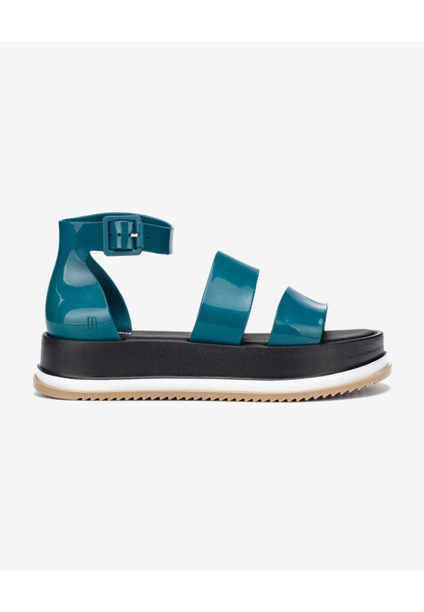 Niebieskie sandały melissa z paskami, na platformie, w kolorowe wzory