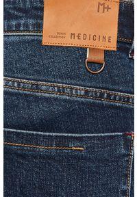 medicine - Medicine - Jeansy Casual Elegance. Okazja: na co dzień. Kolor: niebieski. Styl: casual