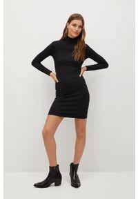 Czarna sukienka mango na co dzień, prosta, mini