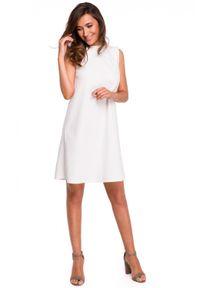 Style - Swobodna trapezowa sukienka z dekoltem na plecach. Okazja: do pracy, na ślub cywilny, na wesele, na imprezę. Materiał: tkanina, elastan, materiał. Wzór: gładki. Typ sukienki: trapezowe. Styl: elegancki