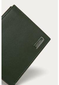 Oliwkowy portfel Calvin Klein
