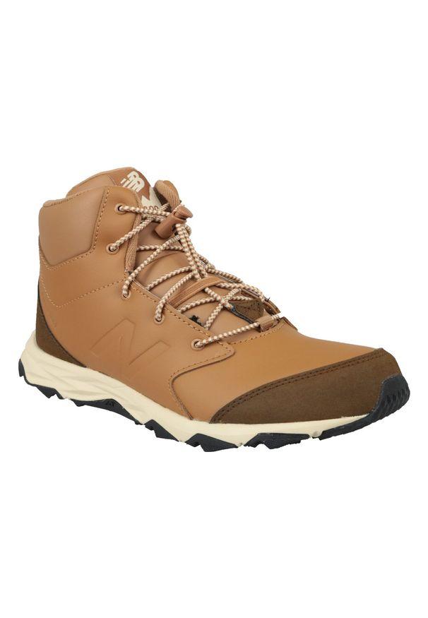 Brązowe buty trekkingowe New Balance z cholewką, w kolorowe wzory